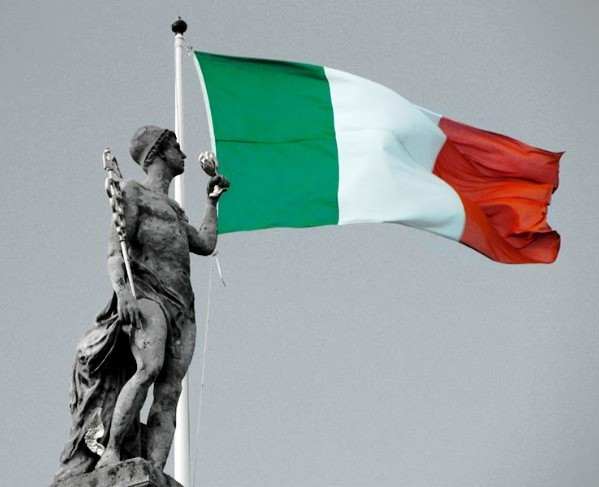 illuminations-irish-flag-flies-above-the-gpo
