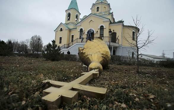 church-donetsk-reuters